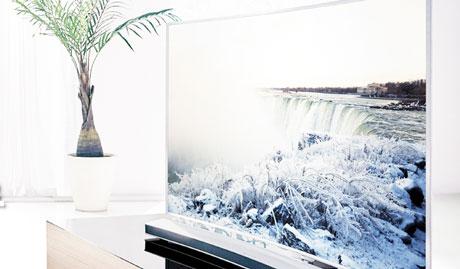 Avantaj Ecranele televizoarelor curbate sunt antireflexive nativ