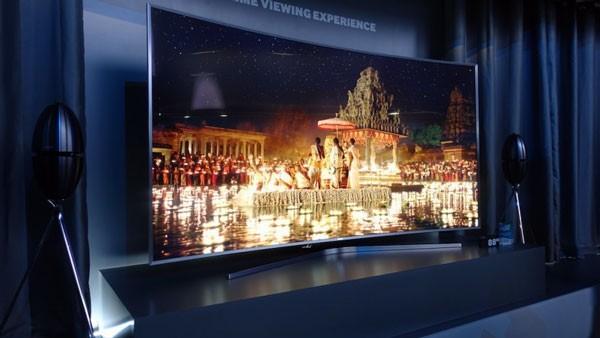 Modelul de top Samsung Smart TV SUHD JS9500 la cel.ro